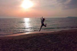 Отдых на пляже после похода. Албания