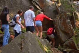 Яремче скалы довбуша